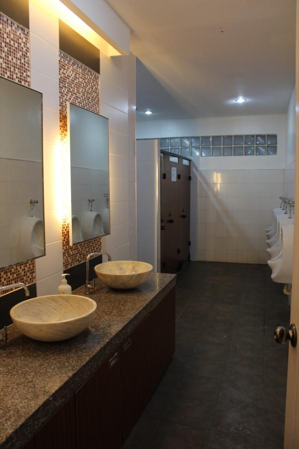 restroom (2)