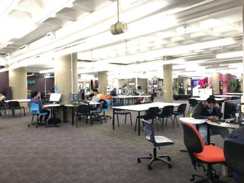 TAFE図書館2階 (2)