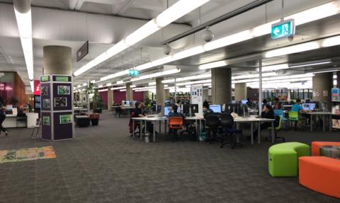 TAFE図書館2階 (3)