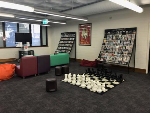 TAFE図書館2階 (5)